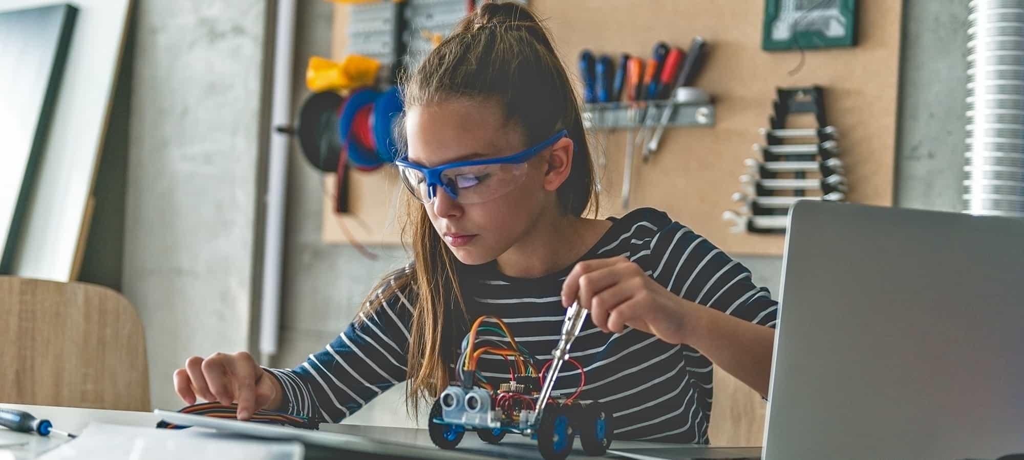 Superstar Scientist Dr Juliette Tobias-Webb Talks All Things STEM