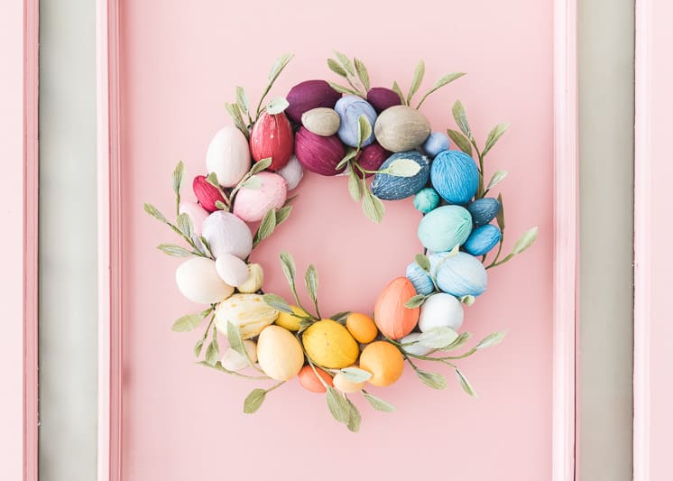 Rainbow Easter egg wreath as Easter craft for kids