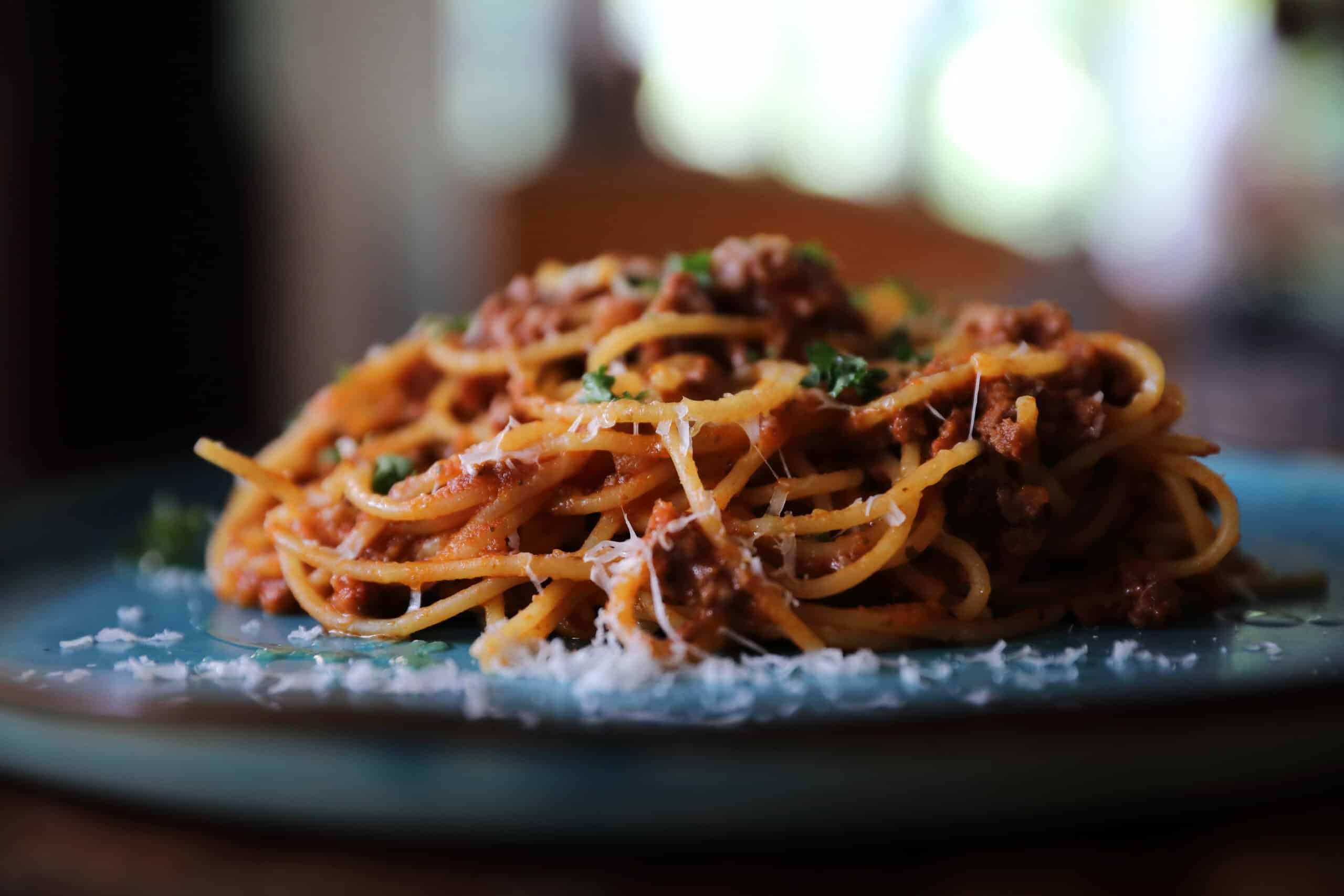 Spaghetti Bolognese – Recipes to Treat Mum