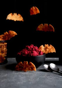 BAT CRACKERS WITH ROASTED BEETROOT AND APPLE DIP